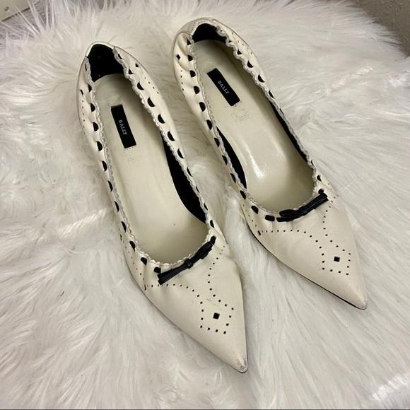 Bally Shoes - Bally Cream Flex Pumps - Sz 40.5